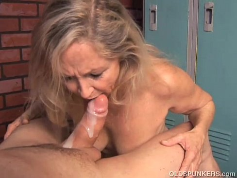 Assure Cute blonde sucks cock