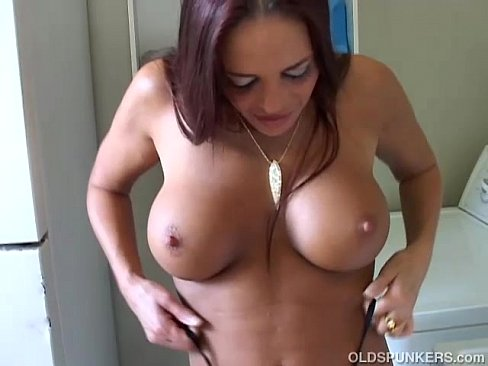 Milf showing there its